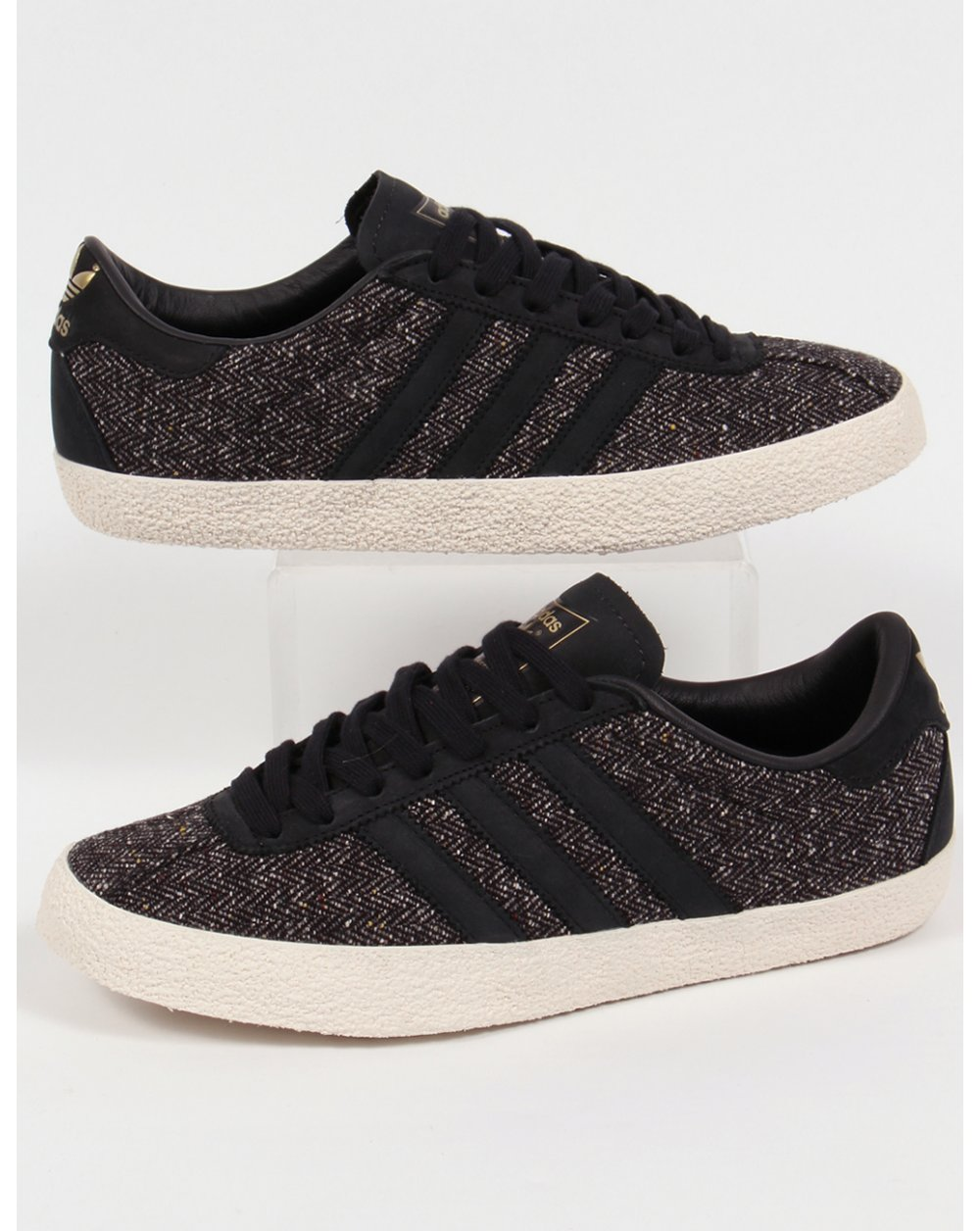 adidas gazelle total black