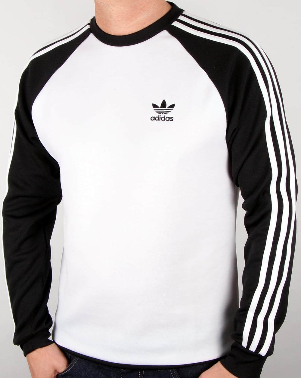 adidas originals superstar crew neck white black men 39 s. Black Bedroom Furniture Sets. Home Design Ideas