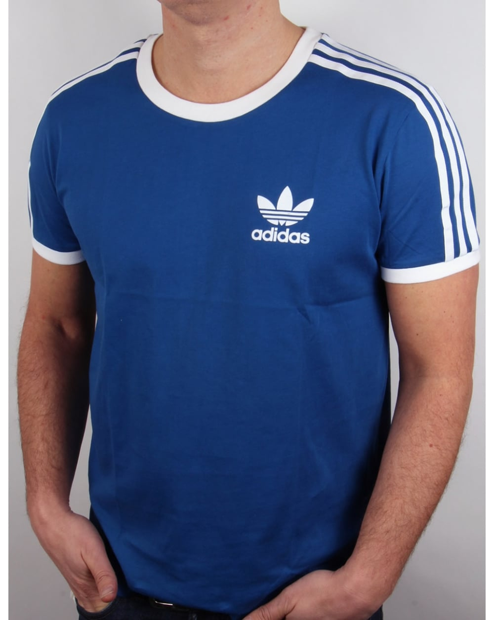 adidas originals retro 3 stripes t shirt adidas blue california trefoil tee. Black Bedroom Furniture Sets. Home Design Ideas