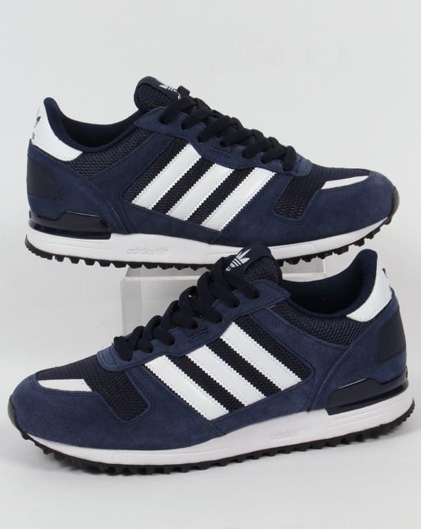 Hommes Adidas Marine Et Blanc Zx 700 Formateurs otiY1Rx0