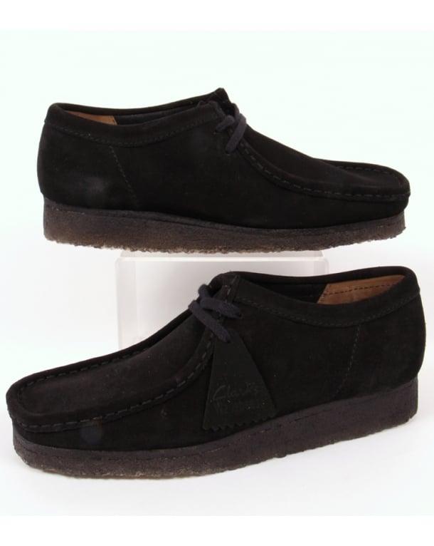 Clarks Originals Wallabee Shoe In Suede Black/Black Sole