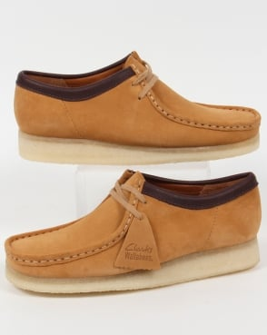 Clarks Originals Wallabee Shoe In Suede Camel