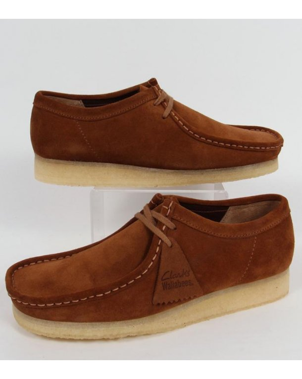 Clarks Originals Wallabee Shoe In Suede Cola/Gum