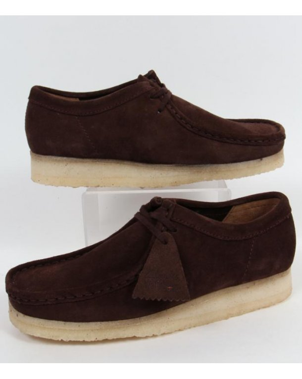 Clarks Originals Wallabee Shoe In Suede Dark Brown