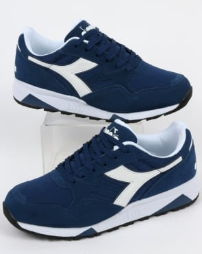 Diadora N902 S Trainers Saltire Navy