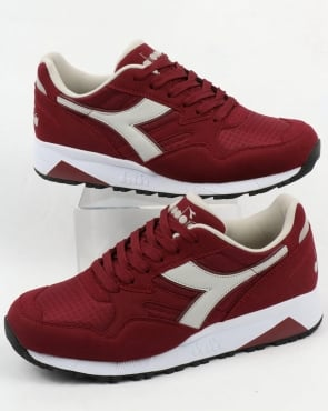 Diadora N902 Trainers Deep Red