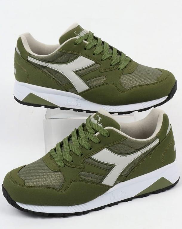 Diadora N902 Trainers Green Olive