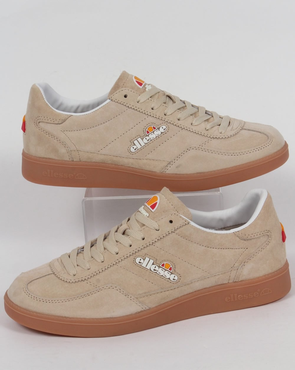 The official Clarks Outlet - discounted shoes and bags for womens, mens and kids. Free delivery over £60 and free returns.