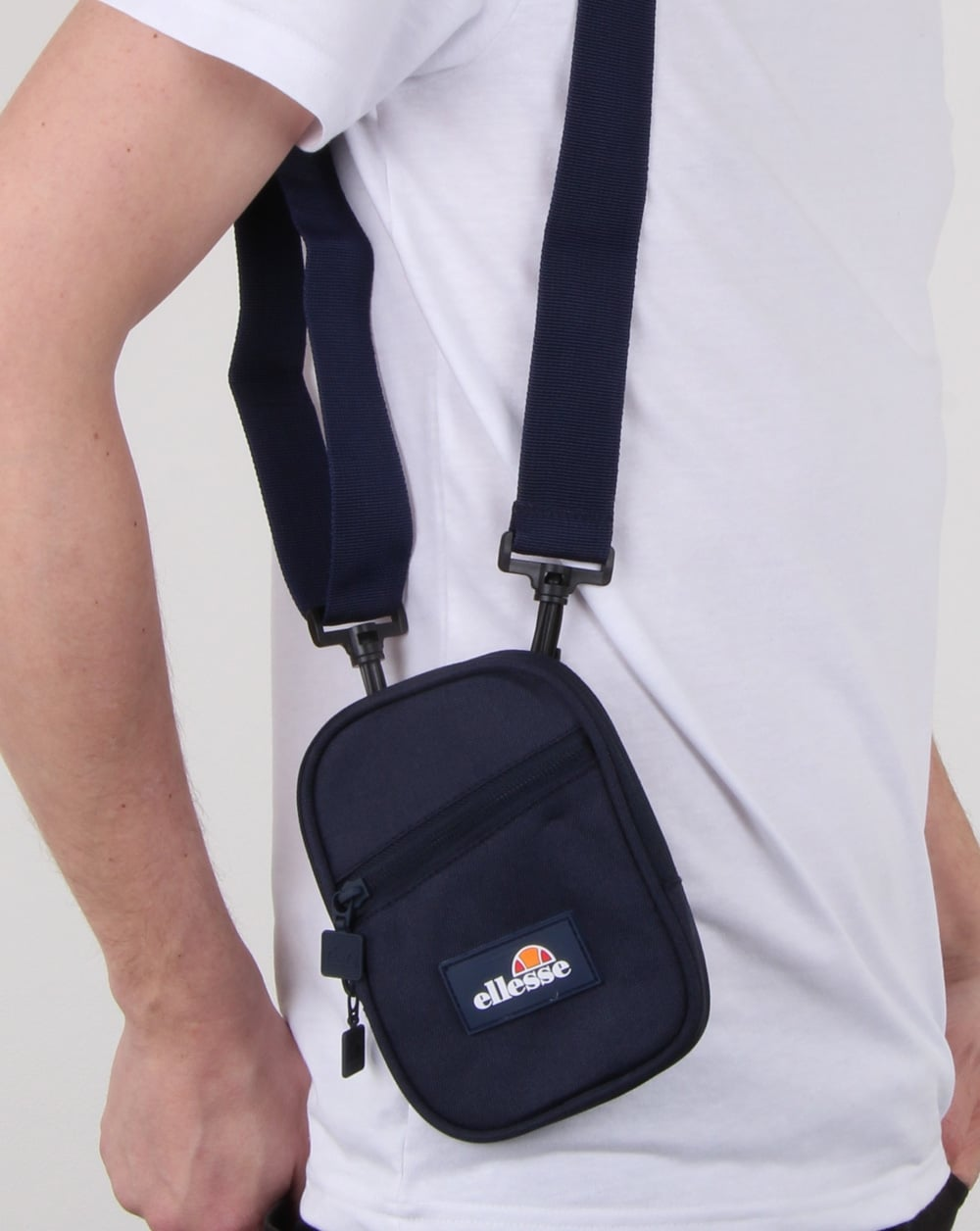 2cae883f Ellesse Grecco Small Items Bag Navy