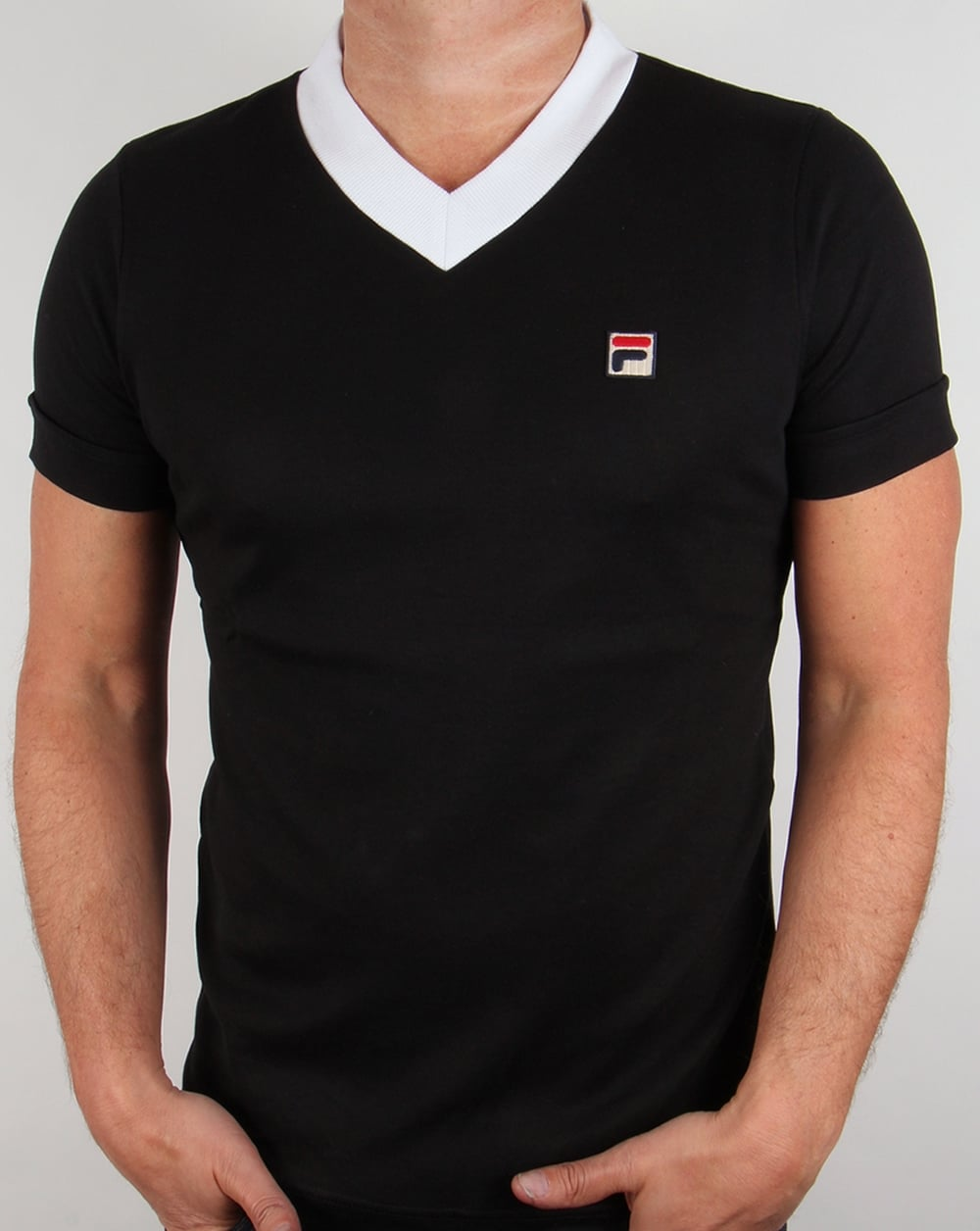 Black t shirts v neck - Fila Vintage Carrack V Neck T Shirt Black White