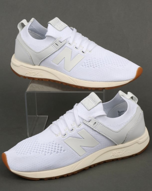 new balance 247 trainers in white
