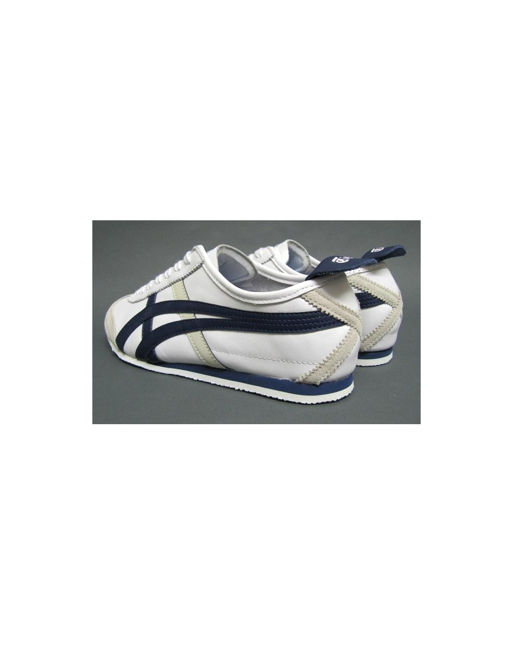 quality design e8d81 b2aa5 Onitsuka Tiger Mexico 66 Trainers White/navy