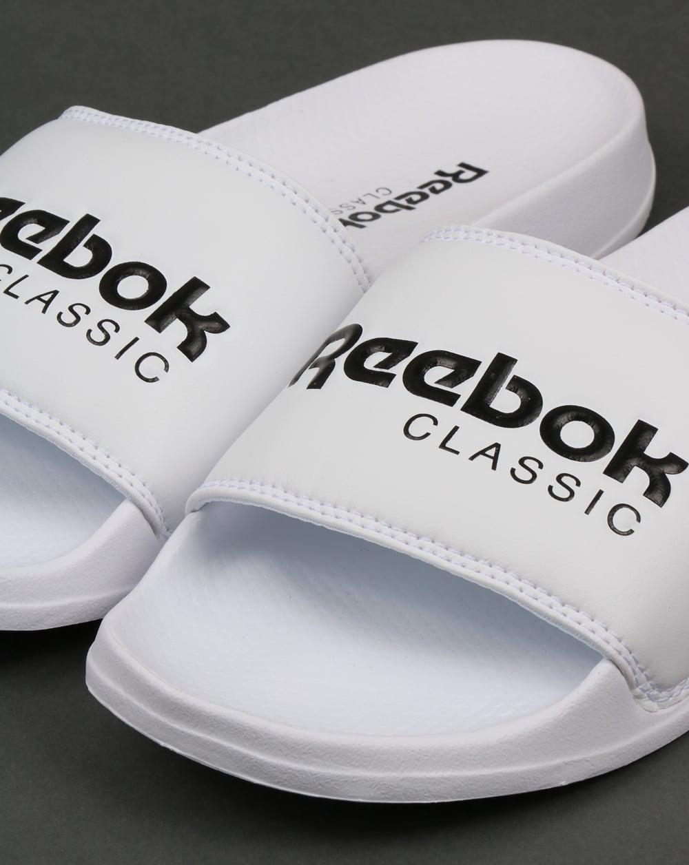 Reebok Curseurs Logo Classique En Blanc - Blanc peKQ5U0Qz