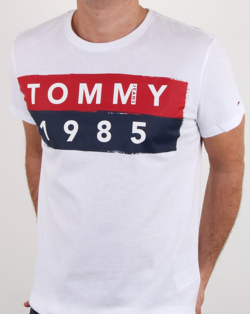 tommy hilfiger 1985 logo t shirt white tee cotton crew. Black Bedroom Furniture Sets. Home Design Ideas