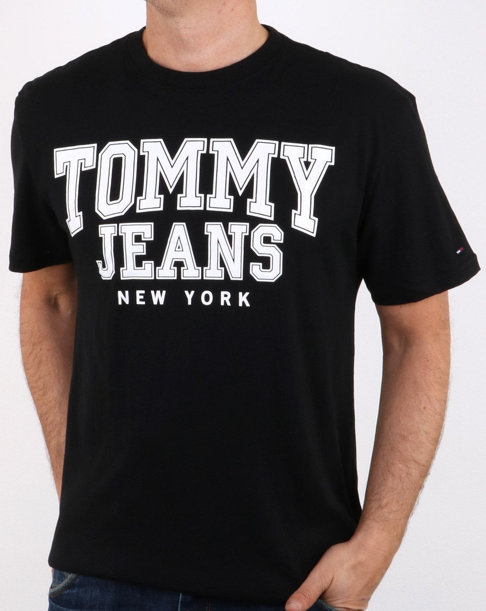 92ca95678 Tommy Hilfiger College Tommy Jeans T-shirt Black | 80s casual classics
