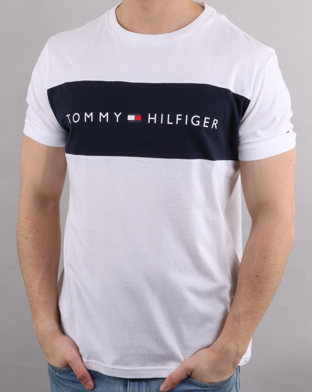 Tommy Hilfiger Flag T Shirt In White 80s Casual Classics